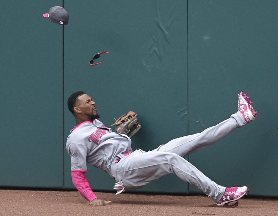 Byron Buxton Catch