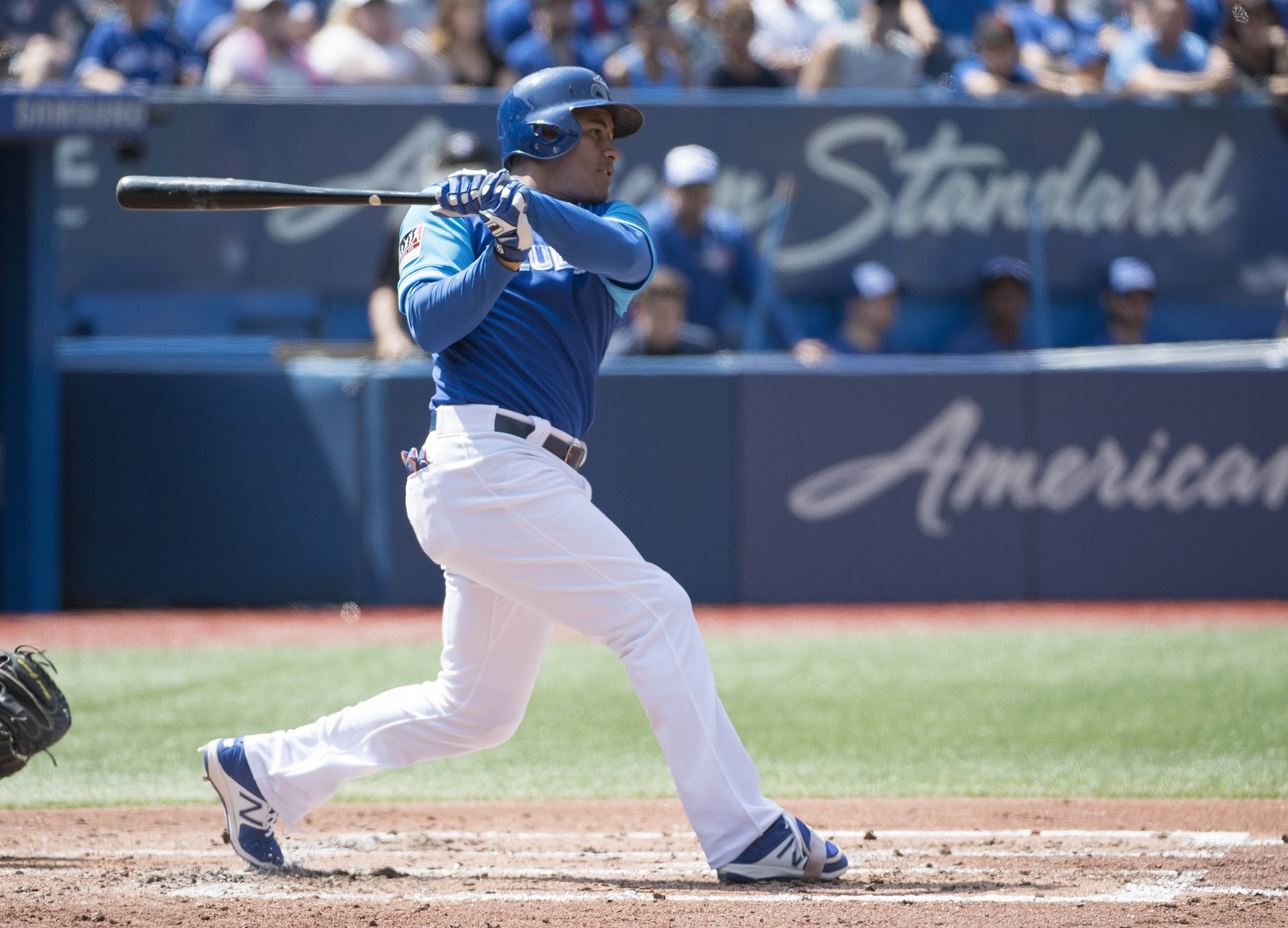 Blue Jays avoid arbitration with OF Carrera and LHP Loup