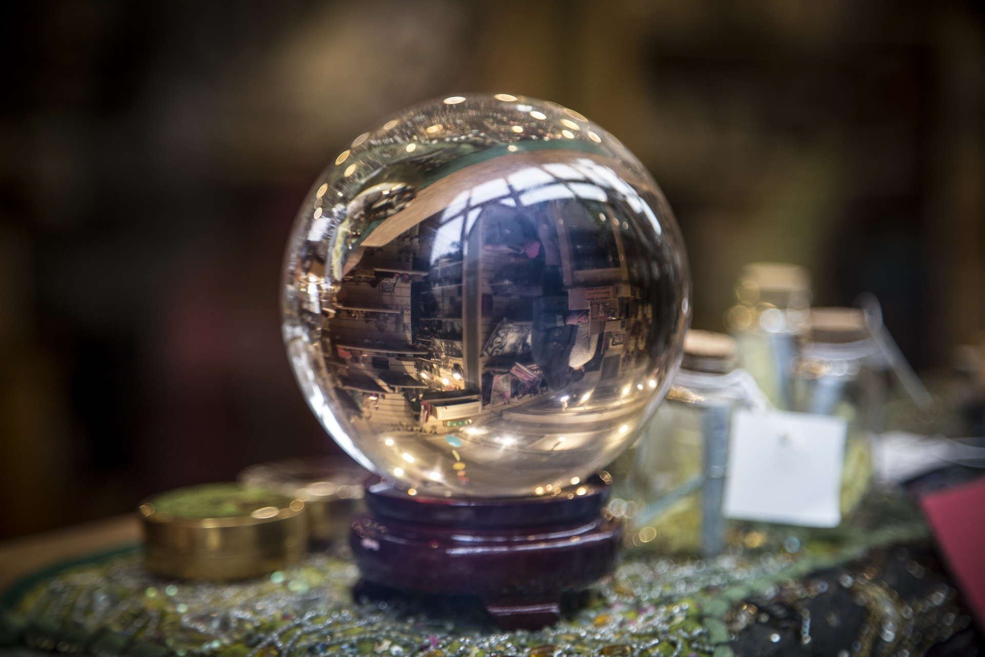 crystal-ball-14781928157ne